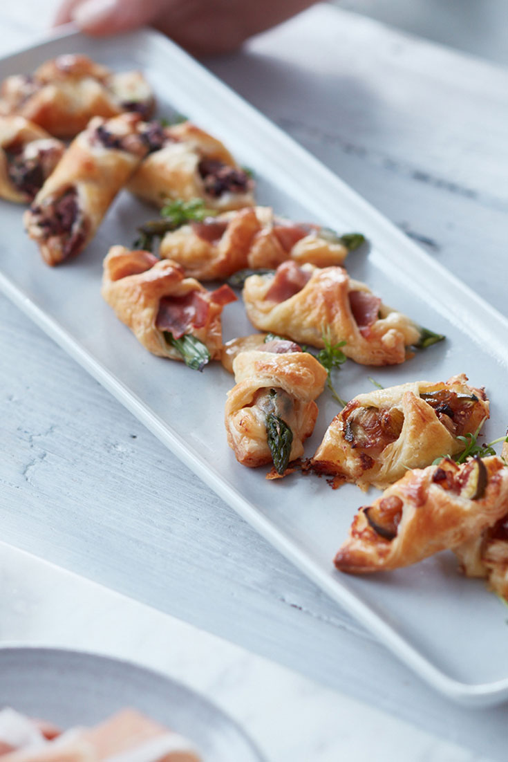 This quick and easy mini savoury recipe can be enjoyed with three different flavours and is a quick and easy appetiser.