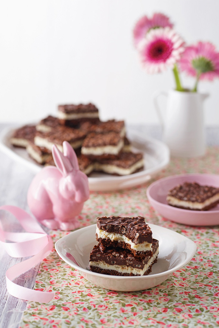 This must try layer Easter chocolate crackle slice is perfect to be enjoyed with a cup of tea.