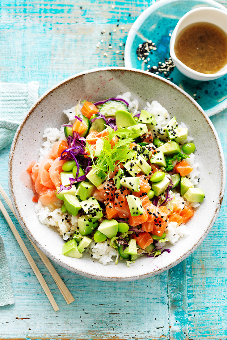 This easy salmon and avocado poke bowl recipe is a great dish for both lunch or dinner.