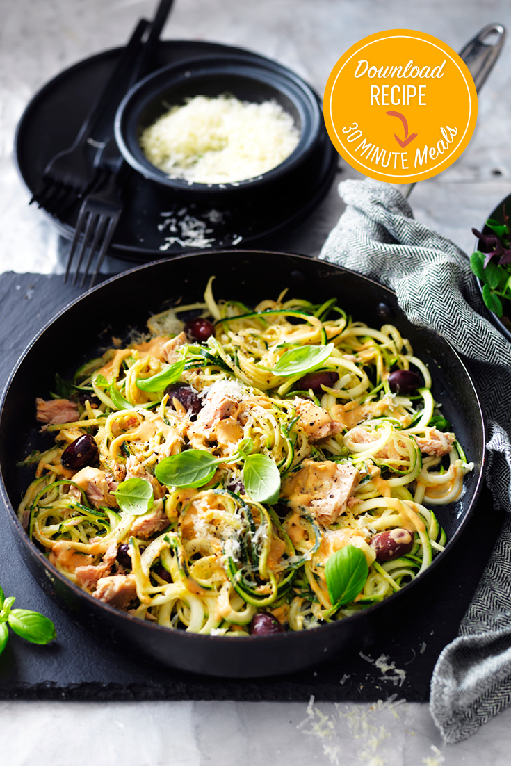 This easy sun-dried tomato, tuna and olive zucchini noodles recipe is ideal for a light yet quick dinner idea.