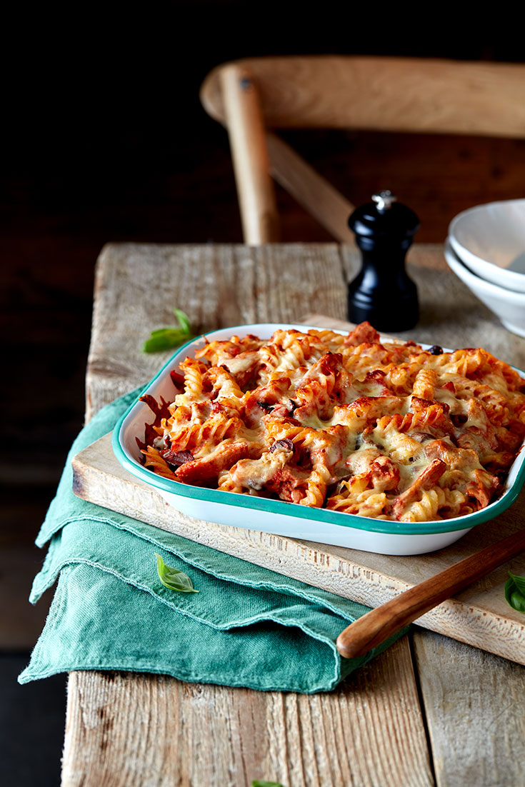 This simple yet delicious tuna, tomato and mozzarella fusilli bake recipe is a great way to use a tin a tuna.
