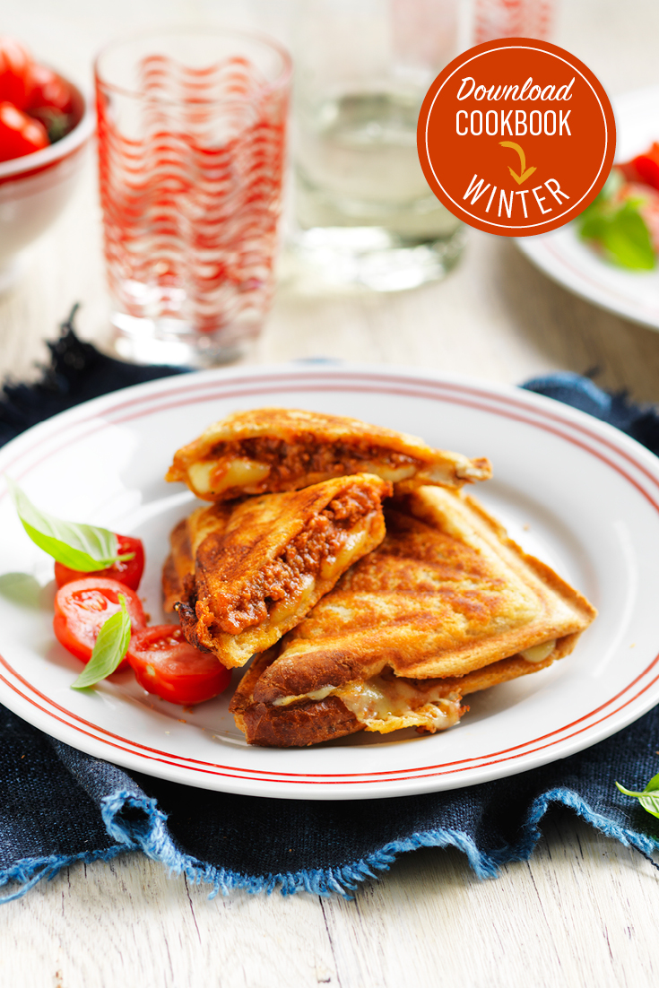 This cheesy bolognese jaffles are the perfect winter warming lunch or dinner.