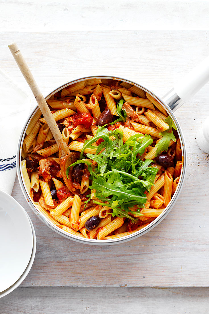 This easy tuna, rocket and olive penne pasta is a quick dish using a tin of tuna.