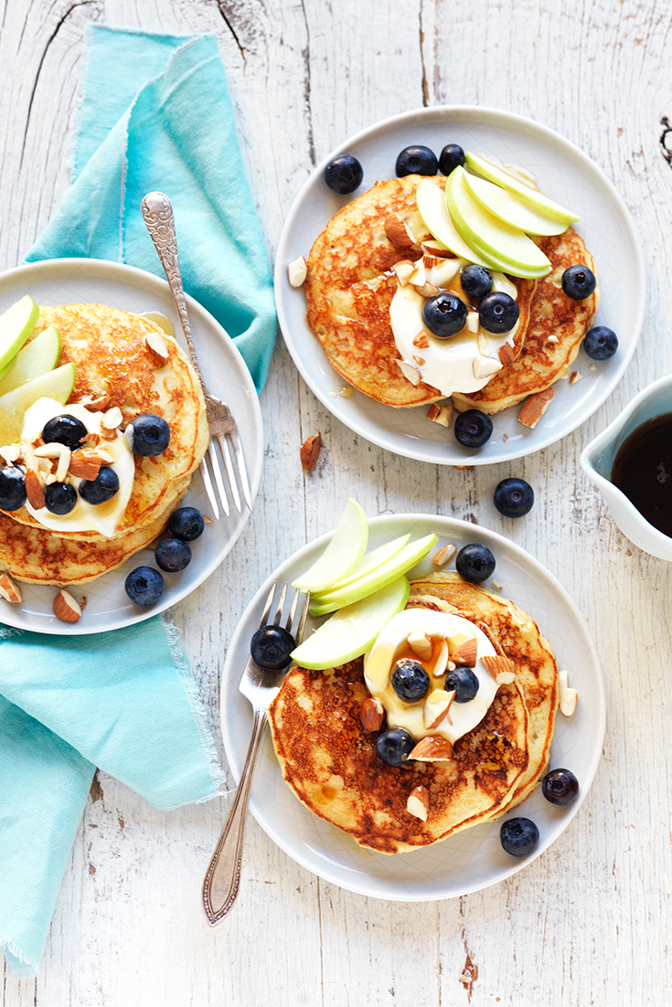 This easy gluten free pancake recipe makes delicious and fluffy pancakes.