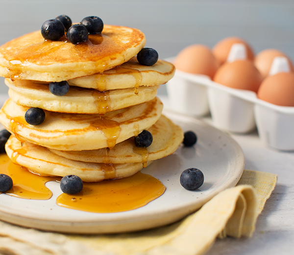 Easy Pancake recipe for kids. This makes delicious fluffy pancakes.